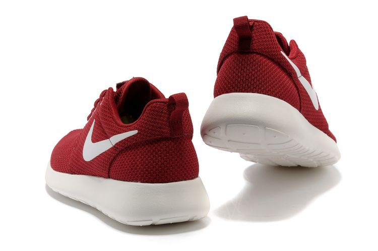 nike roshe run rouge blanc